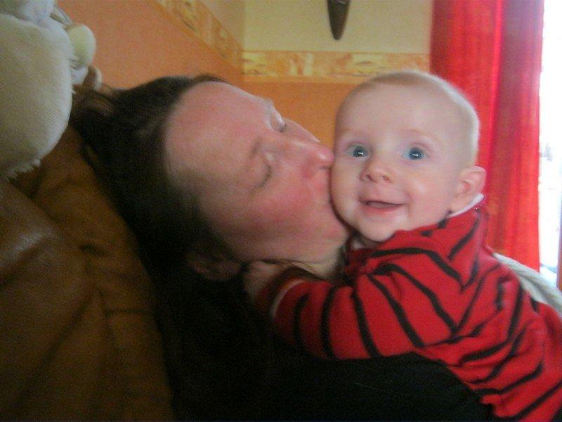 bisous-maman dans enfant